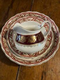 Oak leaf design bowls/ jug