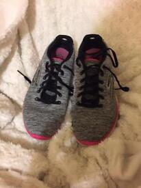 Size 5 Skechers (sketchers) training shoes