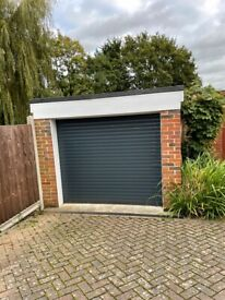 Garage for Rent in Knaphill