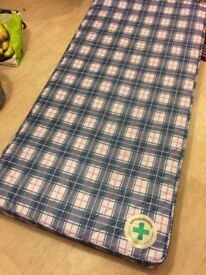 Single Mattress 3Ft - Hypoallergenic - Ideal for Kids - Very Good Condition