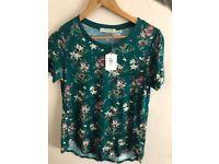 Size 8 women's flower t-shirt