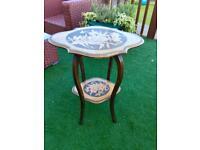 Lovely Floral Design Side/Lamp Table