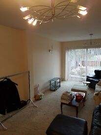 REGIONAL HOMES ARE PLEASED TO OFFER: 3 BEDROOMS SEMI DETACHED HOME, GRAFTON ROAD, OLDBURY!!!