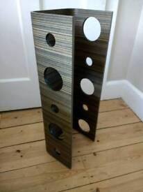 Wooden wine rack for five bottles