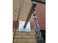 Boxing bag bracket with chains