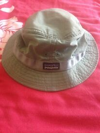 Patagonia bucket hat size medium