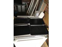 4 baking trays
