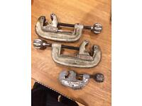 Ridged and co pipe cutter
