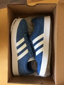 Adidas CL Court Suede SIZE 7 UK