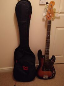 P-Bass style, excelent cond'. Very easy to play includes Gig Bag!