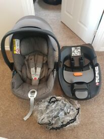 Cybex Cloud Q Car Seat and Isofix Base
