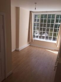 Studio flat, light & spacious, newly refurbished - Close to Bournemouth Beach *Pets accepted*
