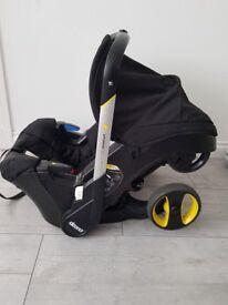 Black Doona Car Seat/ Stoller