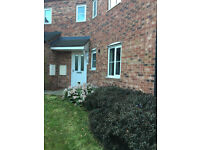 2 Bedroom ground floor apartment / flat Sheffield S2 with private parking *NO FEES*