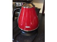 Delonghi red kettle & toaster