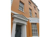 Superb, s/c, 4 person office (26 sq m / 280 sq ft) in beautiful G II listed building in Old Market