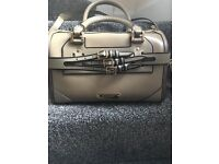 Pre-owned Beige Leather Burberry handbag