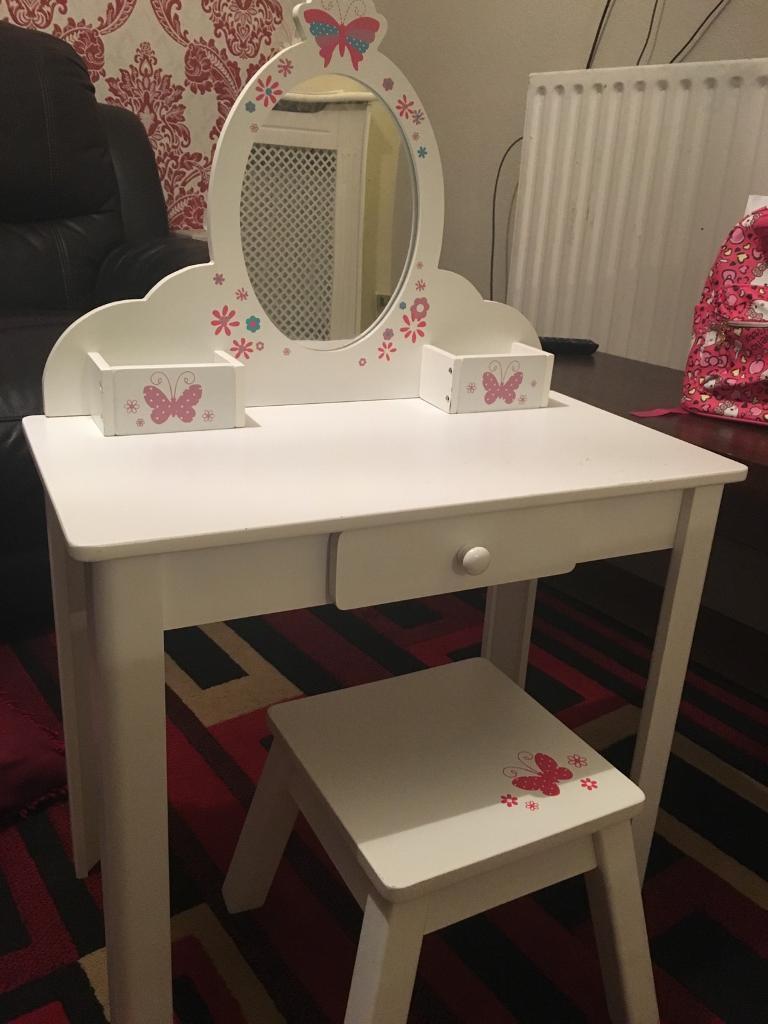 Girls dressing table