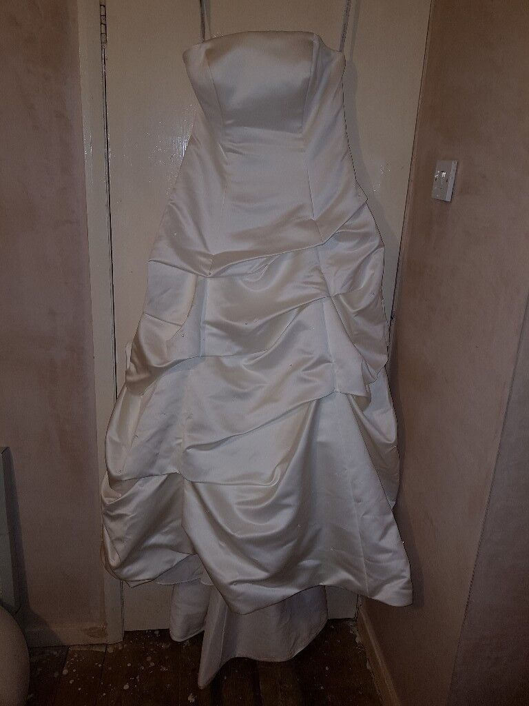 Ivory wedding dress *possible halloween project?*