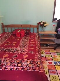 Double room to rent. All bills included. Very close to train station and town centre.