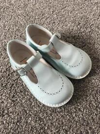 Toddler Boys pale blue andanines shoes size 23 (6)