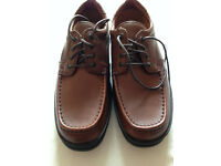 Mens shoes - Clarks Line March size 8 1/2 H - never been worn