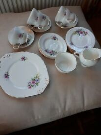 ROYAL ASCOT CHINA TEA SET. 24 PIECES. GOOD COND.