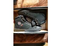 Lee cooper safety boots size 6