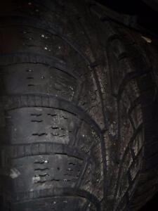 4 pneus d'hiver 235/55/18 Nokian Hakkapeliitta 5
