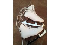 Ladies ice skates size 5 with blade covers and bag