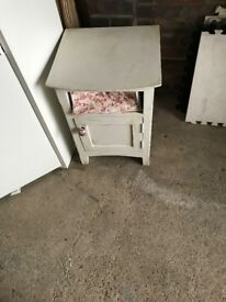Shabby chic small unit