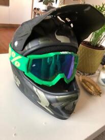 Troy Lee designs full face downhill helmet galaxy size m