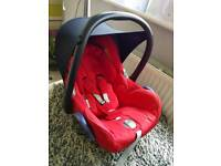 Maxi cosy cqr seat red with newborn inseart