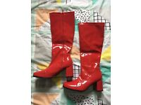Women's Red Retro Fancy Dress Boots - size 7.