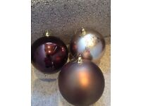 30 Christmas tree baubles