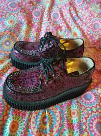 New Devonia Creepers size 6