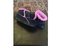 Girls Sketchers Go Walk arctic boots size 2