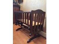 Saplings baby crib very goid condition