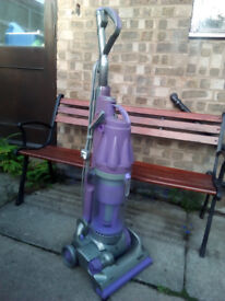 Dyson DC07 Animal ... upright vacuum cleaner
