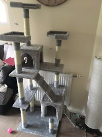 Brand new large cat tower