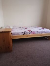 One Double Bedroom for rent in Feltham, TW13 4LR