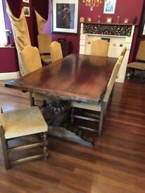 Beautiful Dining Table with 10 chairs and sideboard