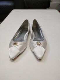 Brand new bridal shoes (UK 4)