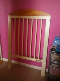 Cosatto Cot in excellent condition.