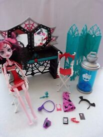 Draculaura, Fold up Mirror, Dressing Room, Dress, Accessories Monster High Dolls