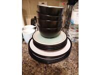 [Collect for free] 12 pieces dinner set + floral mugs