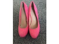 Ladies size 3 heels