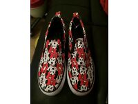 Minnie Mouse shoes ladies size 6
