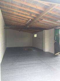 Garage workshop unit with a Pit