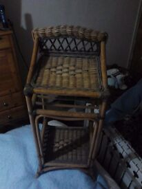 wicker table / shelf and stoll